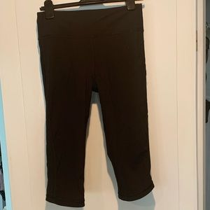 LuluLemon Cropped Leggings, Sz 10 black